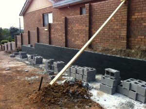 block-retaining-wall-waterproofing